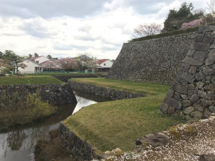 篠山城石垣と堀